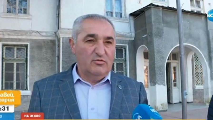 Кметът на с. Литаково Пешо Младенов