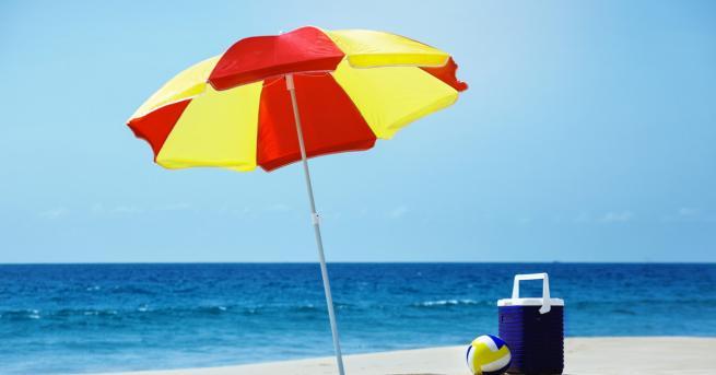 България Общо 17 плажа ще са с безплатни чадъри До