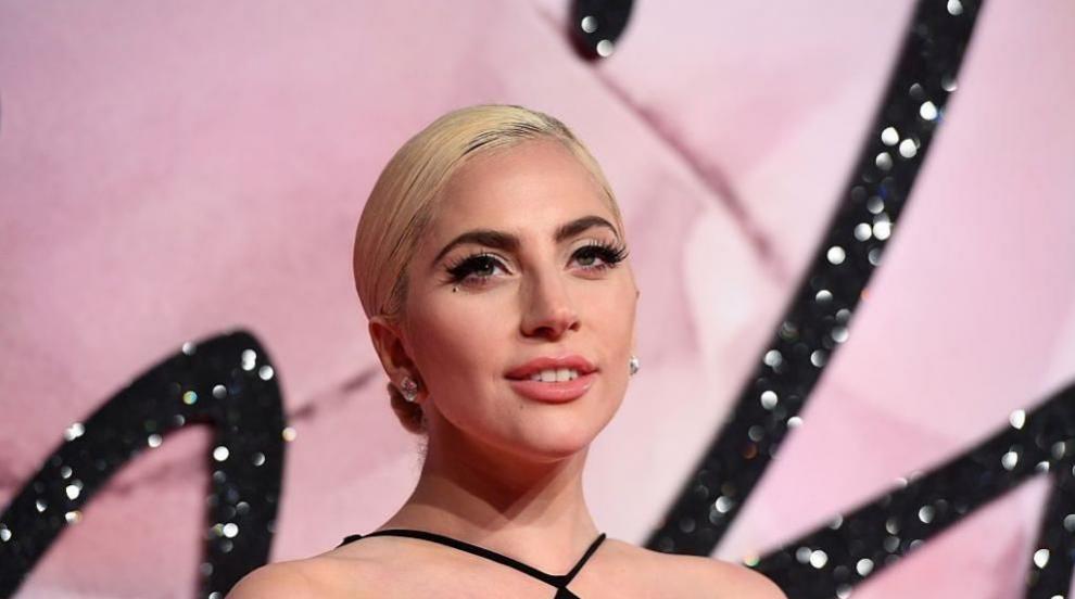 Лейди Гага публикува своя снимка без грим и изненада...