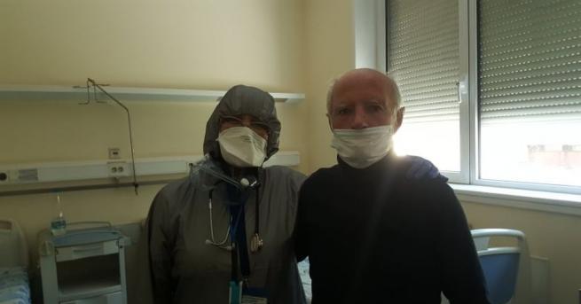 92-годишен пациент победи коронавируса след едномесечно лечение във ВМА. Радостната