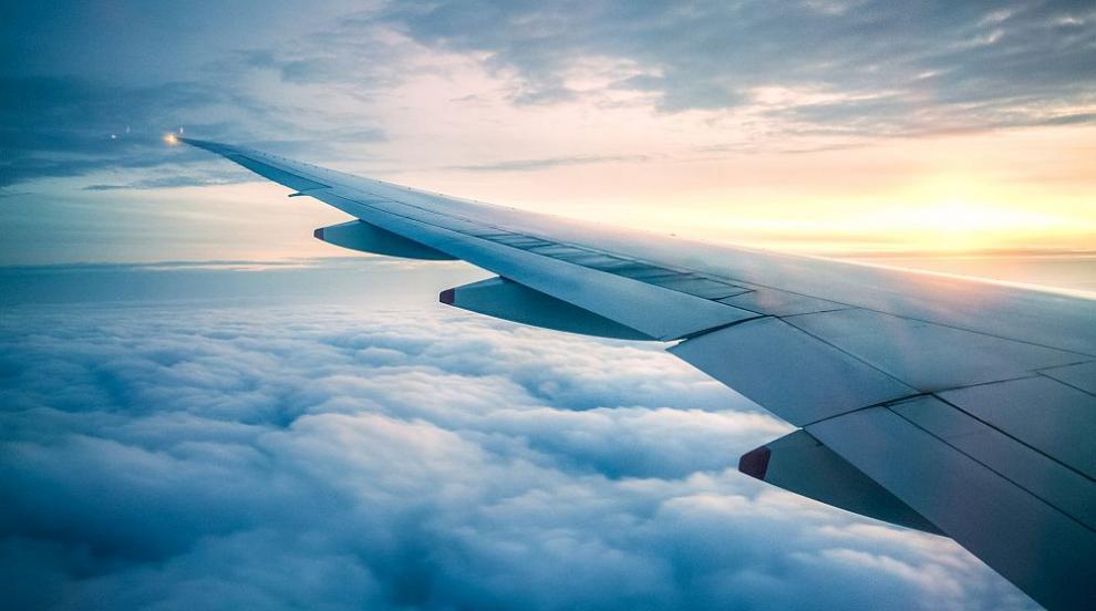 От 10 юни се подновяват полетите между България и...