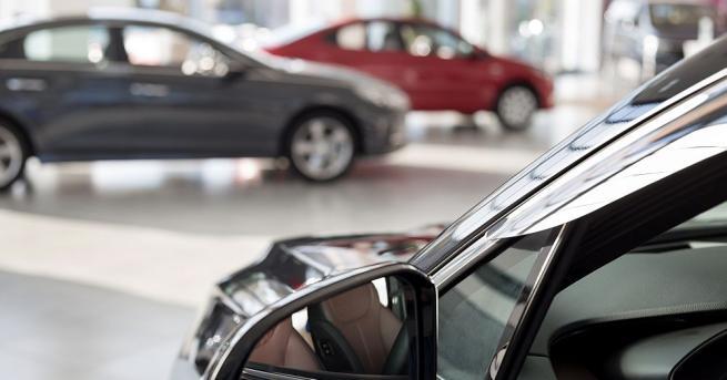 Европейският автомобилен пазар се е свил със 76,3% през април