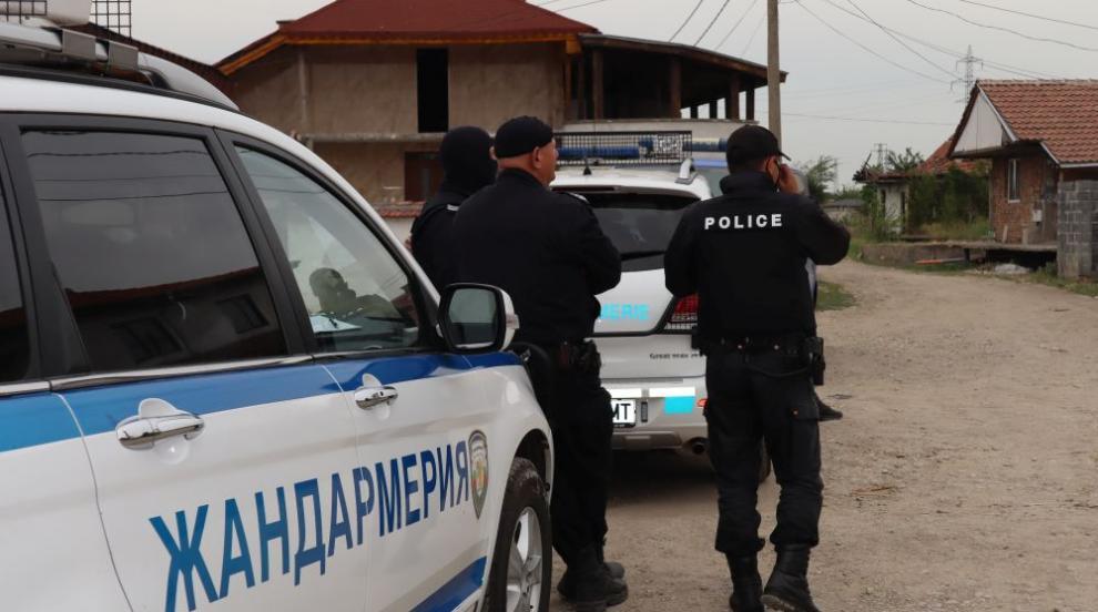 Полицията в Хасково и Димитровград с акция срещу...