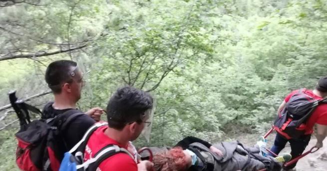 Планинските спасители в Сливен оказаха помощ на 49-годишна контузена жена,