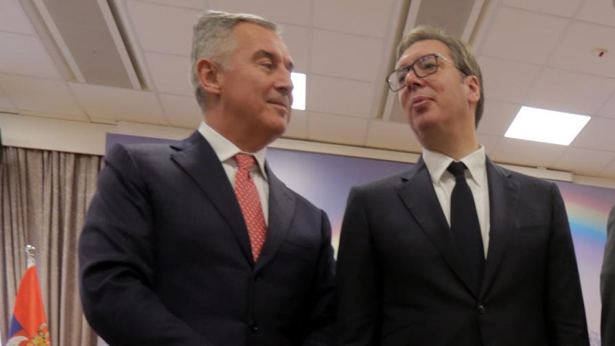 Президентите на Черна Гора Мило Джуканович и на Сърбия Александър Вучич, декември 2019 г.