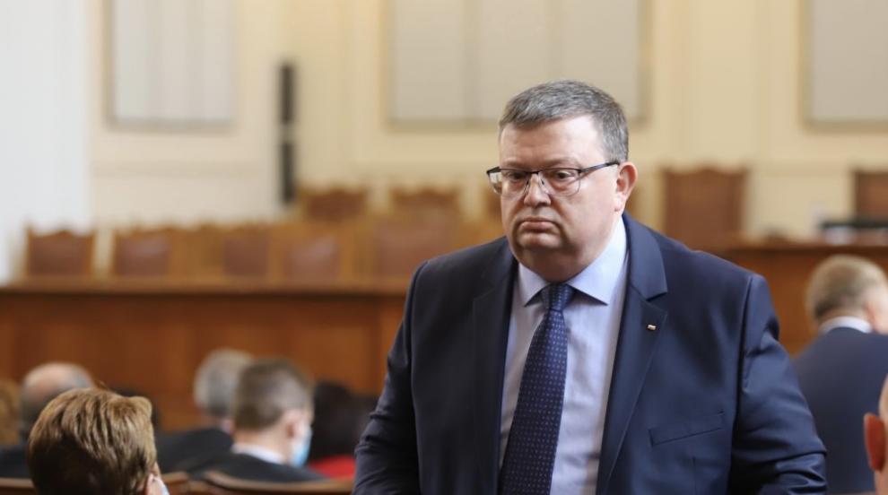 Цацаров: И президентът да назначава КПКОНПИ, нищо...