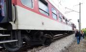 Влак блъсна кола на прелез край Гривица, две жени пострадаха