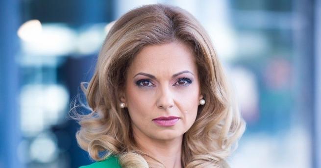 """Водещата на """"Здравей, България"""" Аделина Радева се раздели с NOVA."""
