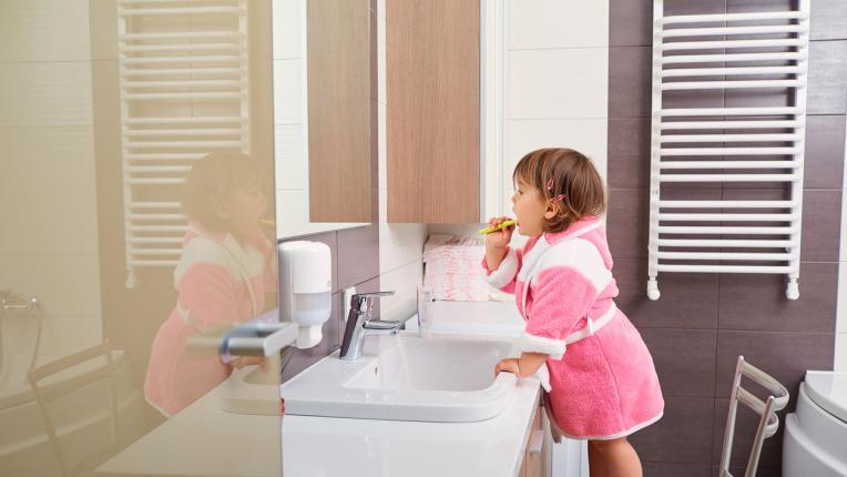 5 четки за зъби, които няма да наранят детските венци