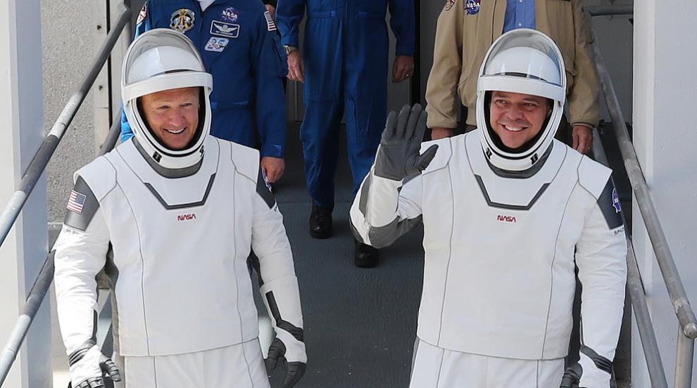Втори опит: Астронавтите на НАСА се готвят за...