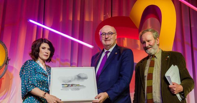 Европейският комисар за търговията Фил Хоган обмисля да се кандидатира
