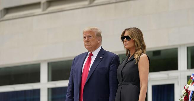 Видео, в което президентът на САЩ Доналд Тръмп кара съпругата