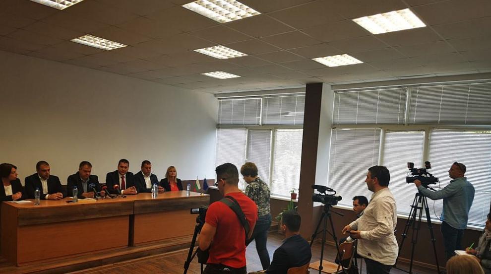Арест за трима роми, били и ограбили възрастна жена в...