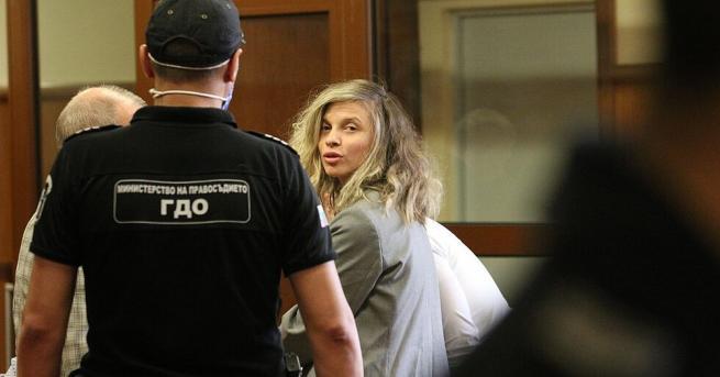 Поппевицата Лиляна Деянова, по-известна като ЛиЛана, беше освободена под домашен
