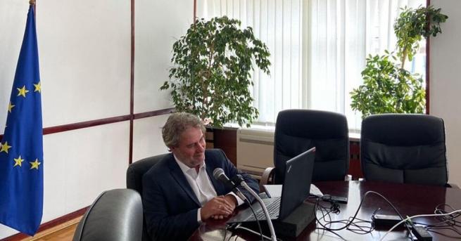 Министърът на културата Боил Банов проведе видеоконферентна среща с френския