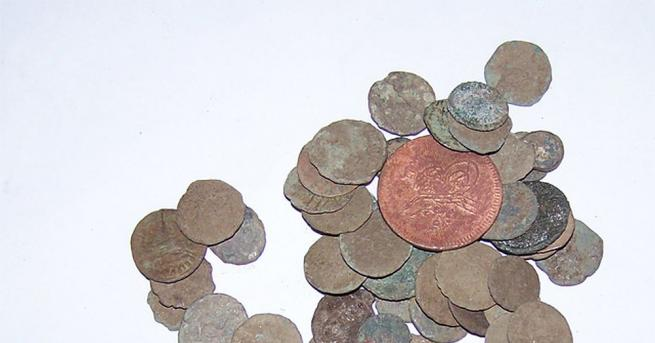 Монети, металотърсачи и боеприпаси са открити при проверка на частен