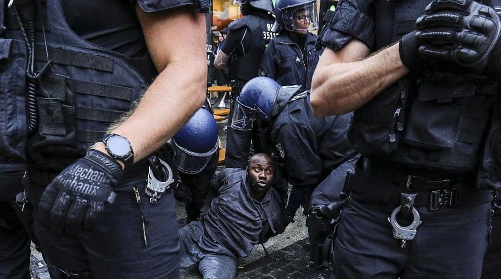 Десетки хиляди демонстрираха в Германия срещу расизма и полицейското насилие