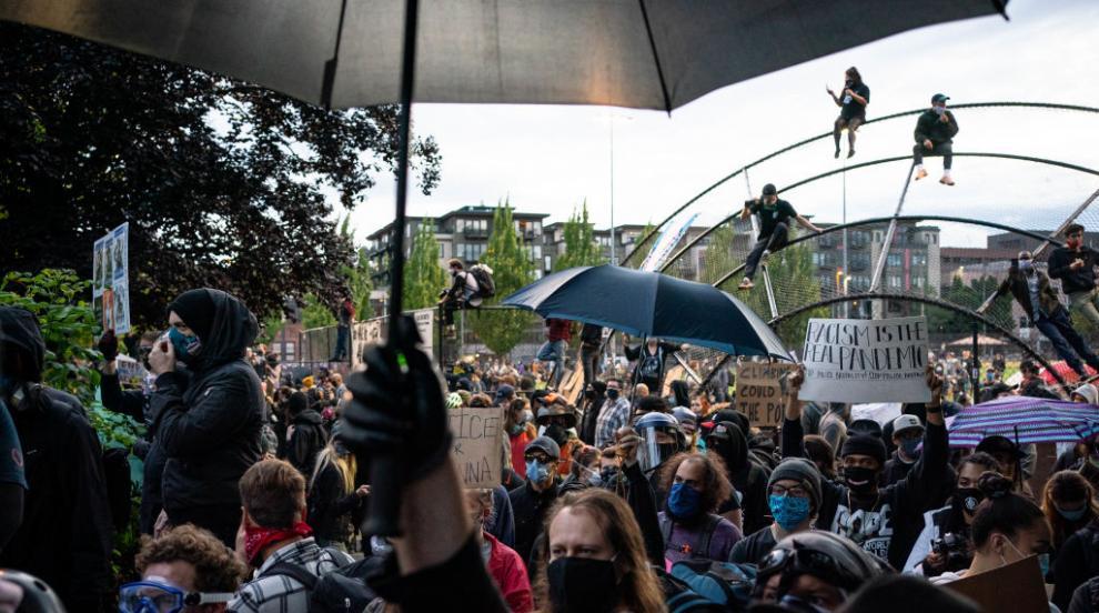 Протестиращи и полицията влязоха в сблъсък в Сиатъл