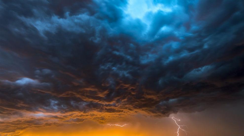 """Тропическата буря """"Исая"""" уби най-малко четирима в..."""