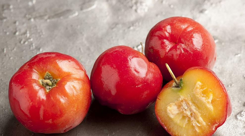 Лечебният плод с най-високо съдържание на витамин С...