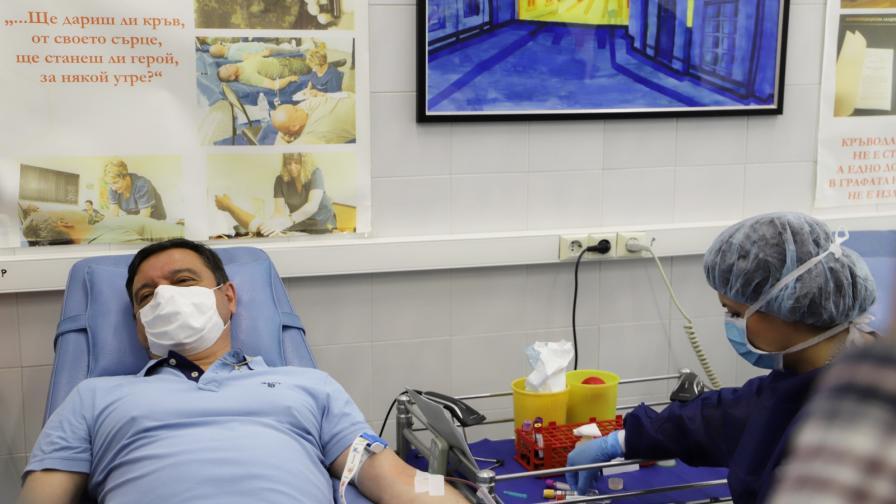 Излекувани от COVID-19 станаха донори на плазма