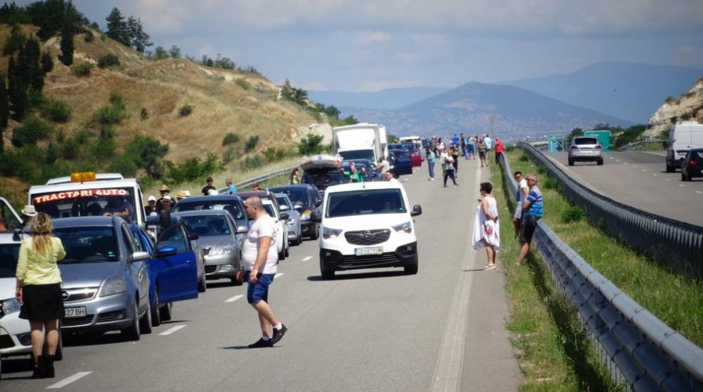 На път за Гърция: 12 км опашка от чакащи автомобили на...