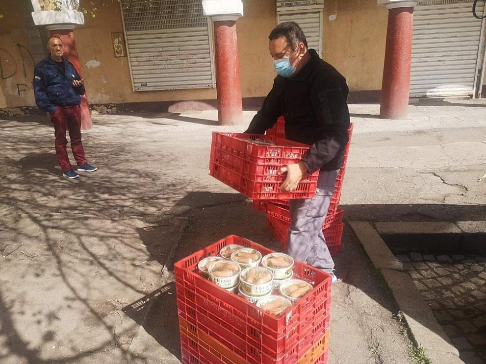 храна подпомагане Фондация Домусчиеви
