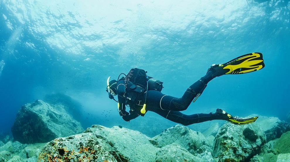 Учени вкараха безжичен интернет и под водата
