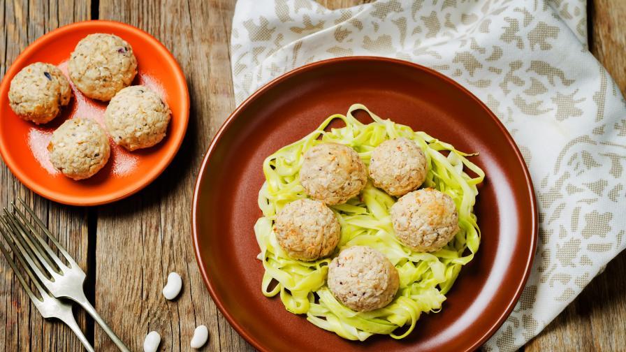 Да си приготвим вкусен обяд: Кюфтета от тиквички и извара