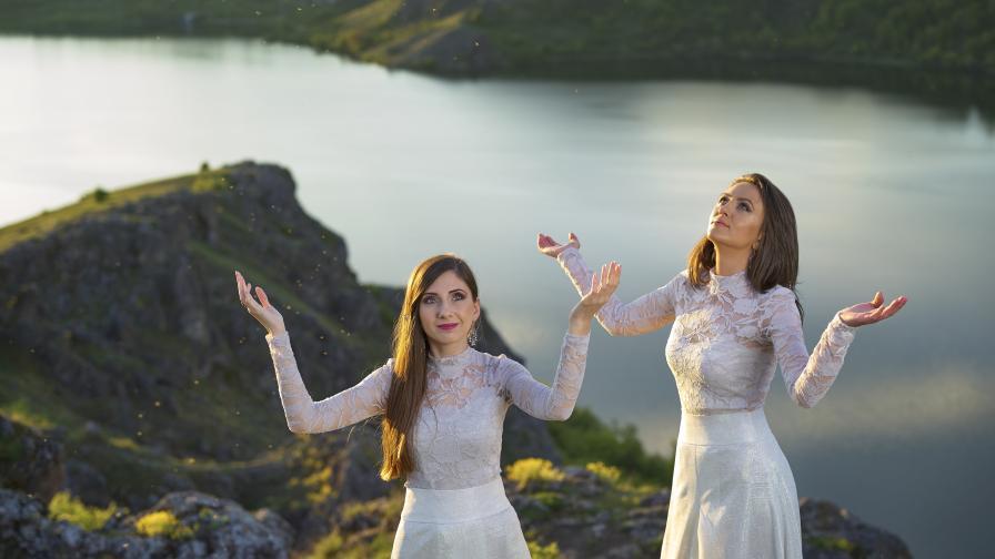 """""""Авигея"""" - Народната музика през очите на две талантливи момичета"""
