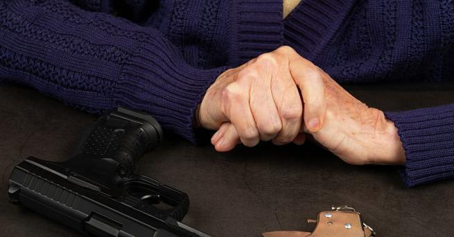 88-годишната вдовица Мей Бойс в Нашвил простреляла крадец, след като