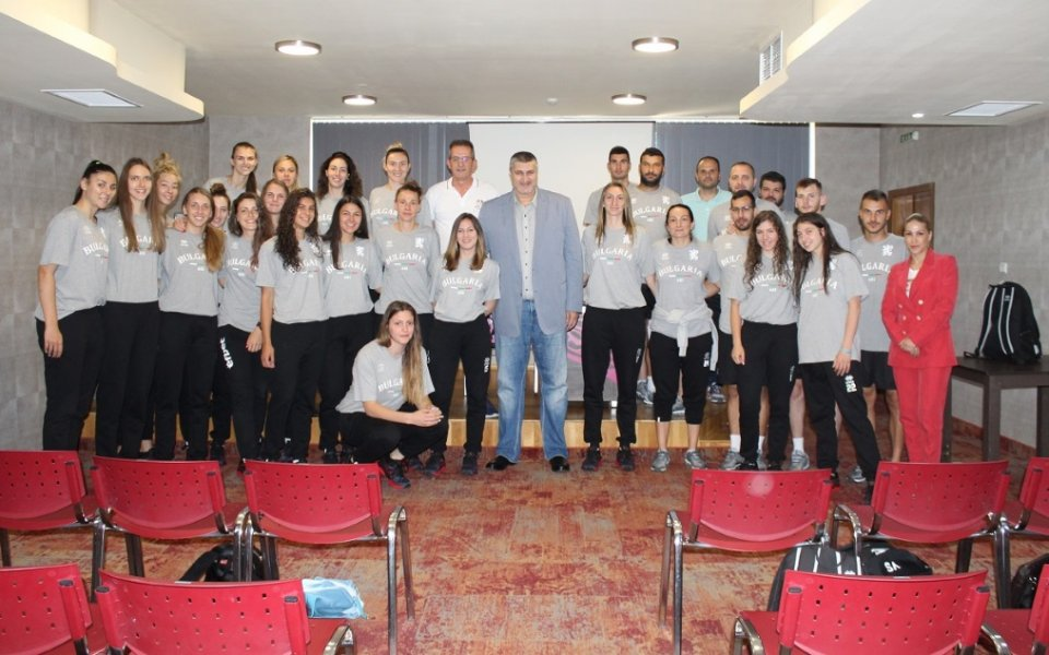 Илия Динков, първият вицепрезидент на БФ Волейбол, присъства на мотивационната