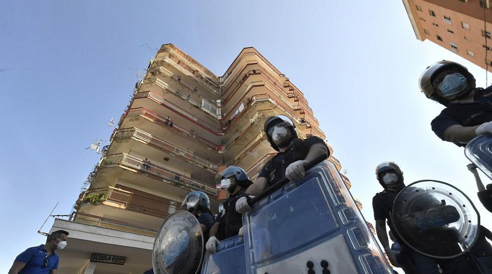 Напрежението в Италия ескалира заради огнище на...