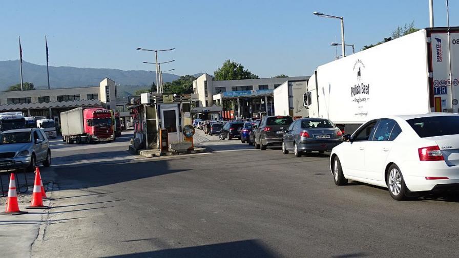 Нови строги мерки по границите с Гърция
