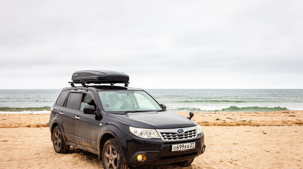 Джип заседна на плажа в Крайморие (ВИДЕО)