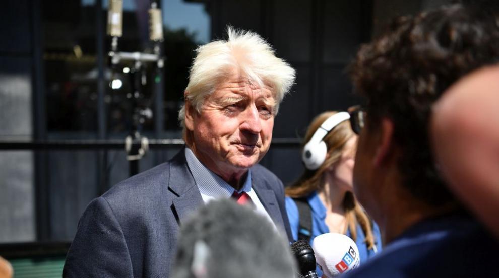 Бащата на Борис Джонсън по бизнес в Гърция, дава вилата си под наем