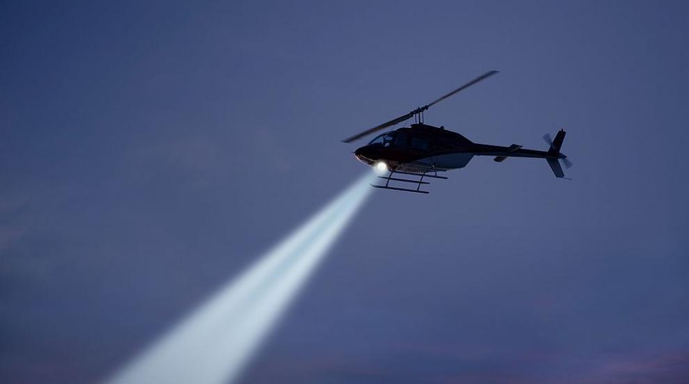 Военен хеликоптер на САЩ кацна аварийно в центъра на...