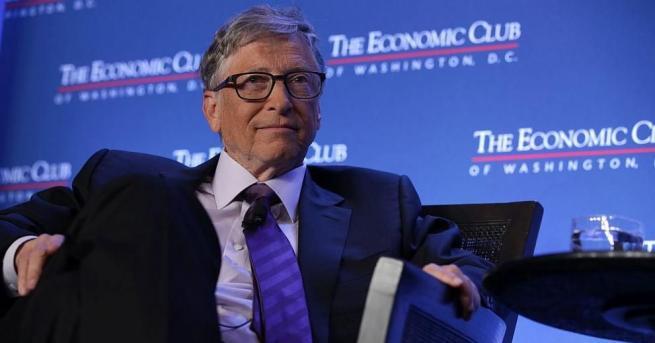 """Основателят на """"Майкрософт"""" Бил Гейтс обвини Фейсбук и други социални"""