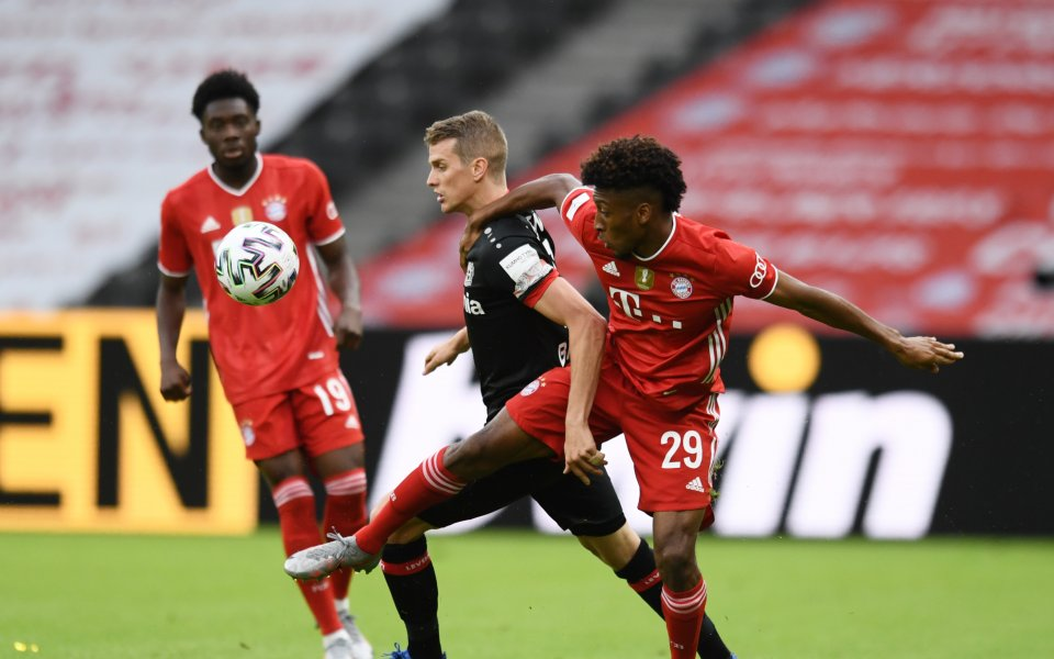 Байерн Мюнхен и Байер Леверкузен играят при резултат 1:0във финала