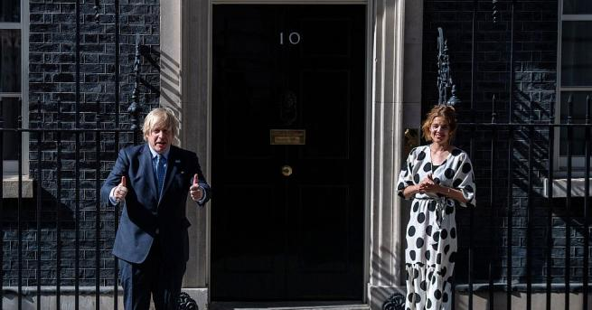 Британският премиер Борис Джонсън и престолонаследникът принц Чарлз отбелязаха с