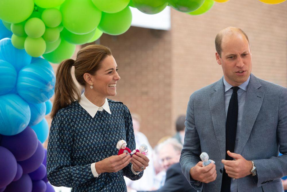 Кейт и Уилям все още се гледат влюбено