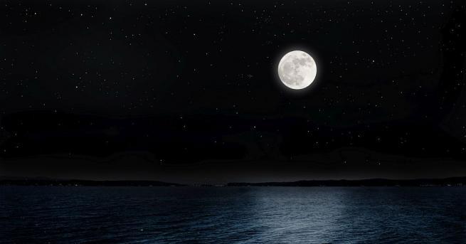 Британски физици установиха, че гребените на крайбрежните вълни се осветяват