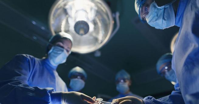 Лекари от ватиканската болница