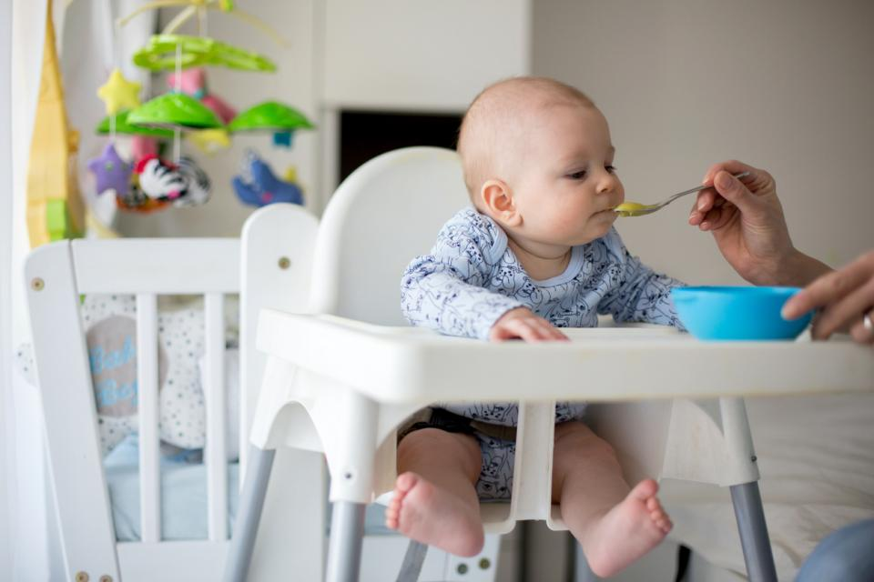 бебе храна хранене захранване пюре