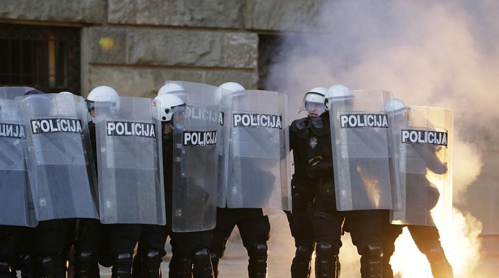 Напрежението в Сърбия ескалира: Протестите за...
