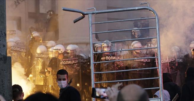 Сърбия няма да въвежда отново полицейски час през уикенда в