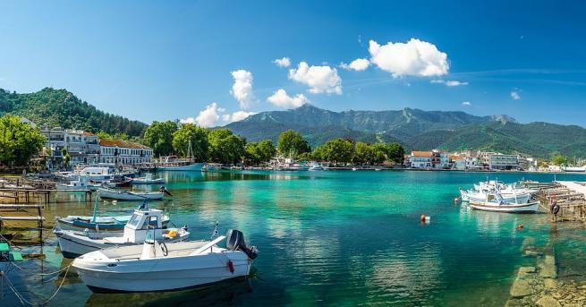 Има двама български туристи, отседнали на остров Тасос, чиито резултати