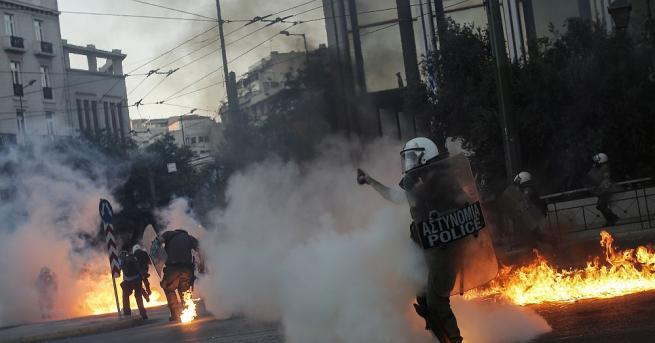 Насилие избухна в Атина по време на голяма демонстрация срещу