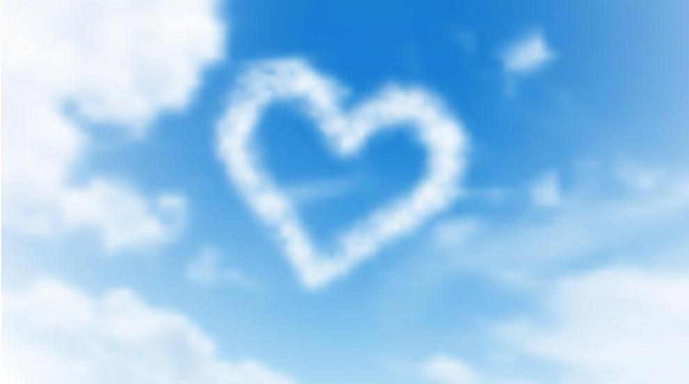 Небето над Стокхолм се изпълни със сърца в памет на...