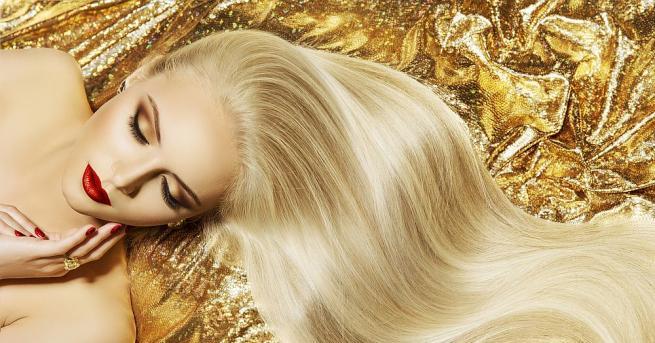 Украинката Олена Корзенюк може да се похвали с най-дългата коса.